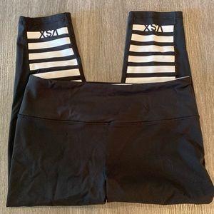 Victoria's Secret VSX Sport Capri Knockout Legging
